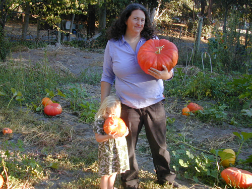 Cyndi & Miriam pick out pumpkins