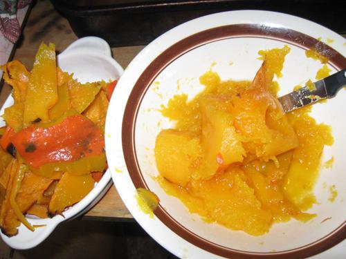 Peeling cooked pumpkins
